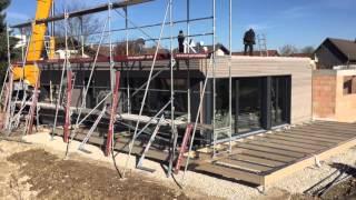 Aufbau eines Qualitäts-Holzhauses von Baufritz im Zeitraffer.