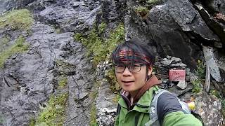 從妖魔之路下山 Climbing down from the Trollstigen