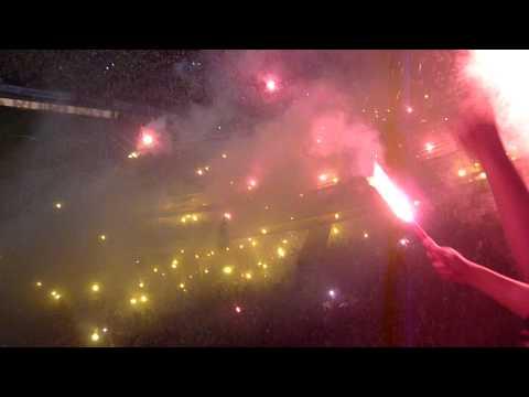 """SUR OSCURA-SALIDA / NOCHE AMARILLA 2012 [HD]"" Barra: Sur Oscura • Club: Barcelona Sporting Club"