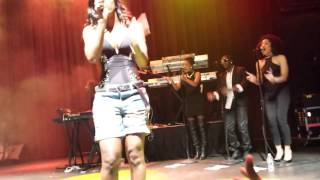 Kelly Rowland 'Can't Nobody' Live!!