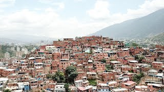 Największe slumsy Wenezueli - Petare
