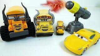 Мультики про МАШИНКИ - Лего Мисс Крошка и Круз Рамирез - Машинки Тачки 3 Lego Cars 3