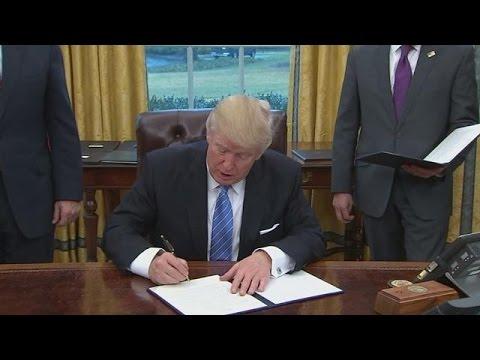 Αποσύρονται οι ΗΠΑ από την εμπορική συμφωνία των χωρών του Ειρηνικού (TPP)
