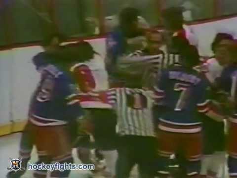 Dave Schultz vs. Dale Rolfe
