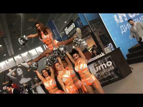 Черлидеры Lucky Demons Cheerleaders на выставке Vape Expo ( Лаки Дэмонс группа поддержки )