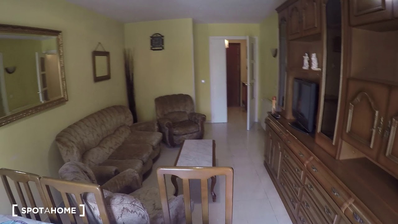 Single Bed in Comfortable rooms for rent in 2-bedroom apartment in Ciudad Lineal