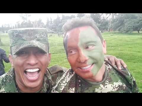 Soldado por un día con Colombia Estéreo