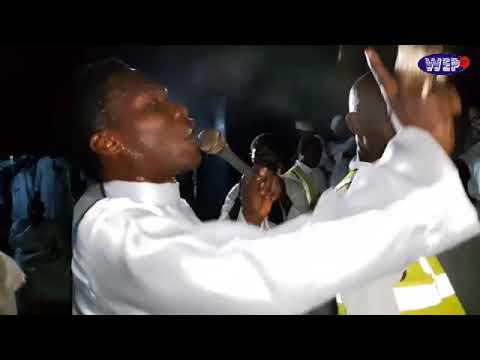 MEGA 99 SENT A PROPHETESS ON TRANCE DURING MINISTRATION LIVE AT OMINIRA PARISH DENRO AKUTE