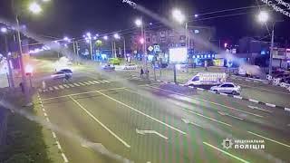 В Харькове Infiniti на огромной скорости протаранил Chevrolet: 1 человек погиб, 3 пострадали (видео)