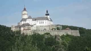 preview picture of video 'Burg Forchtenstein - Fraknó vára - Castle Forchtenstein'