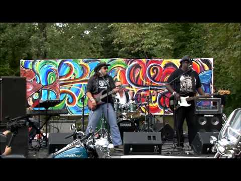 The Heavenly Chillbillies - Long White Cadillac @ Music Is Art 2012