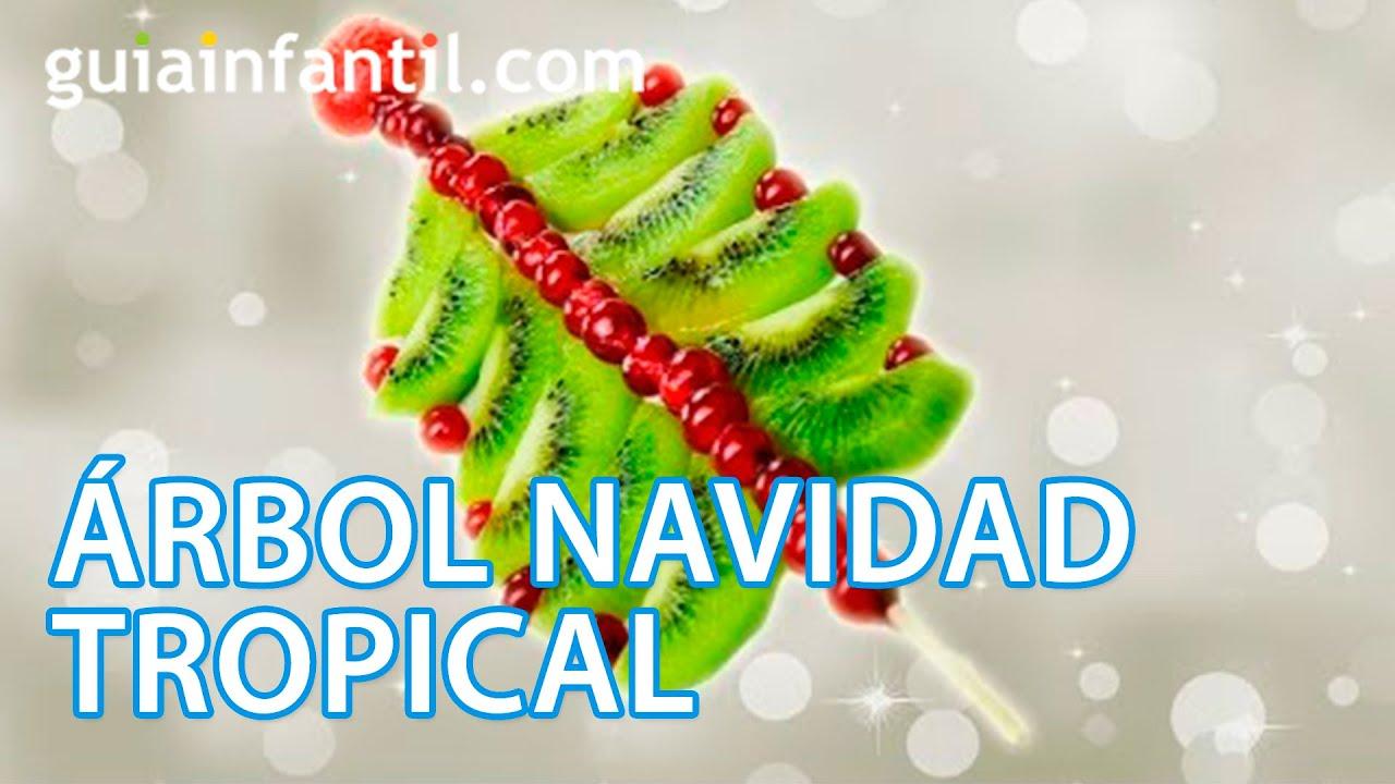Postre de Navidad. Árbol navideño tropical