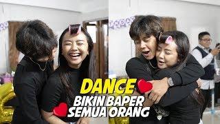 Video JOMBLO SIAPKAN TISU !!! FIRST TIME DANCE SAMA PACAR DEPAN UMUM , BIKIN BAPER !!! - HVLOG #82 MP3, 3GP, MP4, WEBM, AVI, FLV September 2019