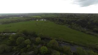 preview picture of video 'DJI F550 Drone over Odney (near Cookham) Part 1'