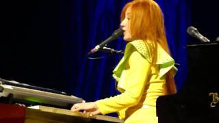"Tori Amos ""Hotel"" (Clip) July 29, 2009 @ Jackie Gleason Theatre in Miami Beach, FL"