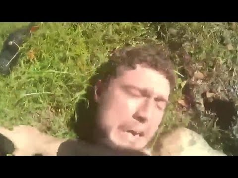 Suspect Tazers Pasco Deputy In Genitals During Struggle (видео)
