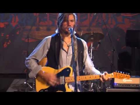 "Austin Allsup Performs ""Fill It Up"" on The Texas Music Scene"
