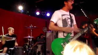All Time Low 10/25 - (part of) I can do the one two step & Running from lions (full)