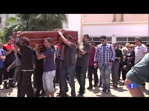 TRAGEDIA en BADAJOZ - Mueren cinco menores en un accidente de autobus