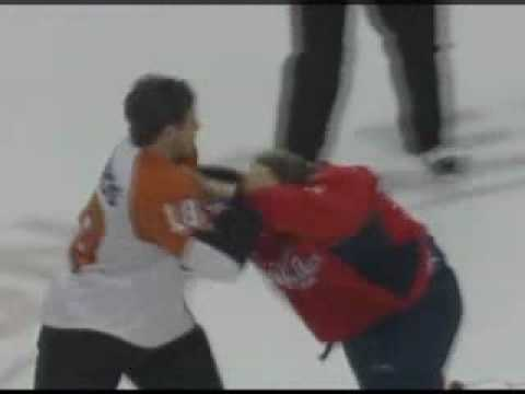 Mike Richards vs Brooks Laich