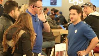 Смотреть онлайн Подставные сотрудники Эппл советуют брать Майкрософт