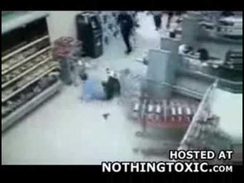 Falstart ochroniarza w supermarkecie