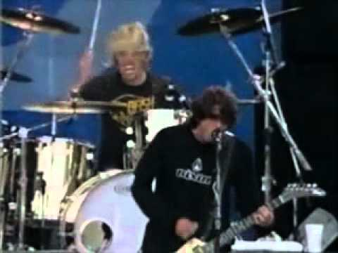 Foo Fighters - Alone + Easy Target (Live in Edgefest, Canadá 1998)