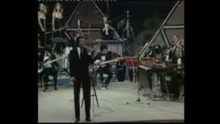 Julio Iglesias Pobre Diablo  English Lyrics