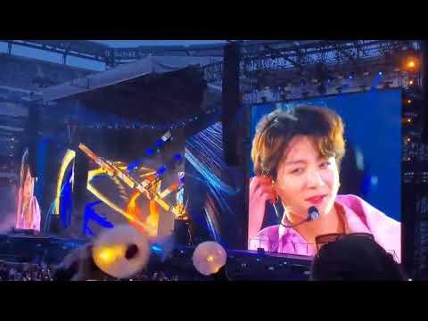 "Jimin Singing the ""yeah yeah"" during Euphoria 😍 / The smile of jungkook 😁"