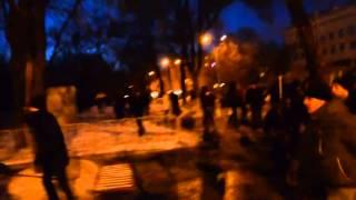 Днепропетровские Ультрас бъют титушек \ Ultras of Dnepropetrovsk beat criminals-mercenary