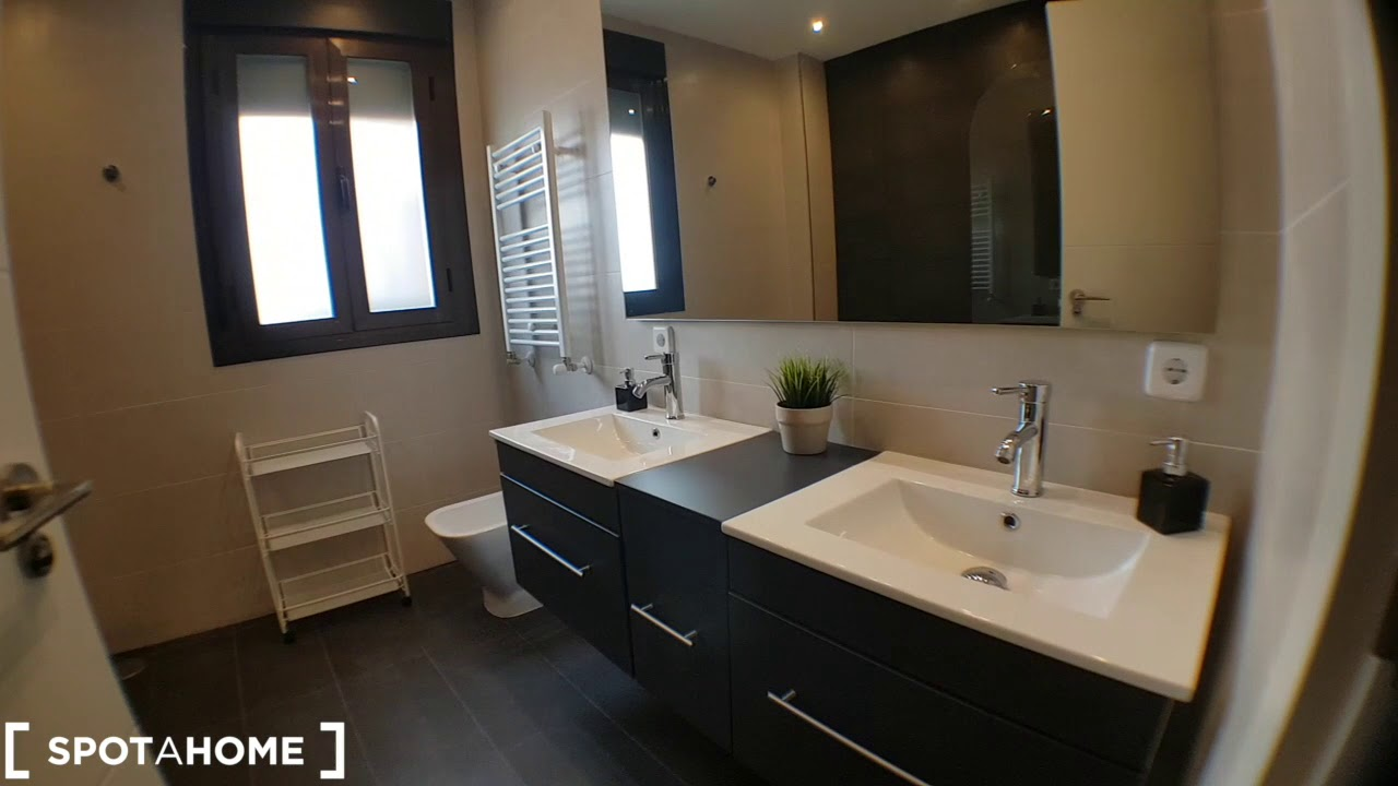 Rooms for rent in modern 6-bedroom apartment in Usera