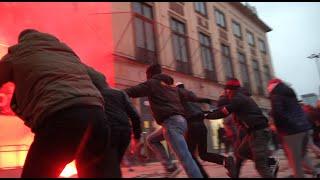 Atak  narodowców na policję. Marsz Niepodległości 2020