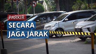 Parkir Mobil juga Terapkan Physical Distancing di Rest Area Square Km 13,5 Tol Jakarta-Tangerang