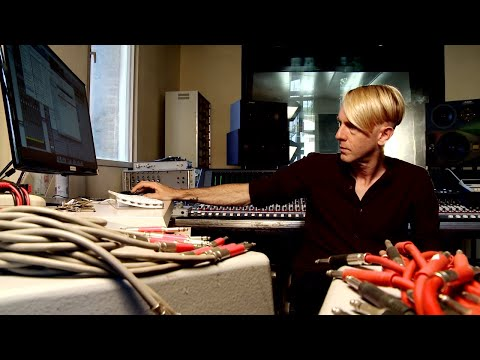 RICHIE HAWTIN (EB.TV LISTEN!)