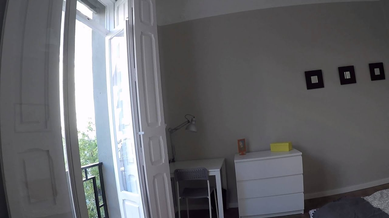 Cozy room with standalone wardrobe in shared apartment, Eixample