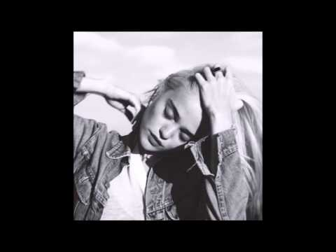 Sky Ferreira - Everything Is Embarrassing (Unicorn Kid Remix) [Audio]