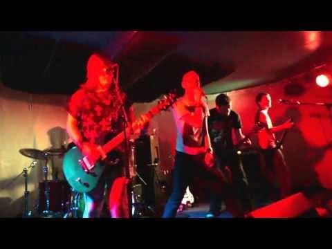 Holding Tides - Pinups (Live)