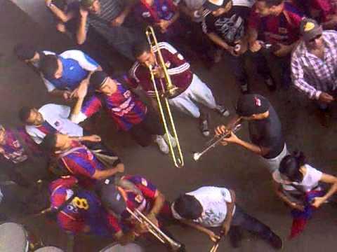 """""""BARRA DEL MONAGAS SPORT CLUB MINUTOS PREVIOS AL PARTIDO FRENTE AL CARACAS FC"""" Barra: Guerreros Chaimas • Club: Monagas"""