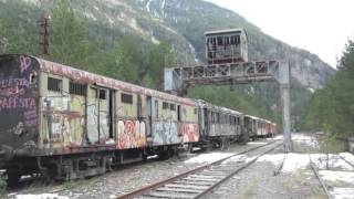 preview picture of video 'La gare de Canfranc'