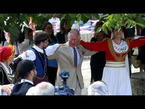 Στην Κρήτη ο Κάρολος και η Καμίλα: Χοροί, μαντινάδες και…κρασί!