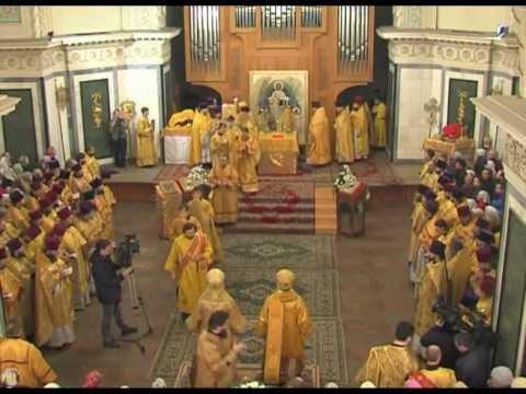 Во сколько служба в храме сегодня