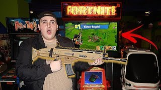 I FOUND A FORTNITE GAME AT THE ARCADE!!