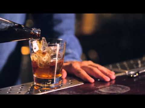 Video How to Make A Godfather Cocktail - Jack Daniels Old No.7 Cocktail Recipes