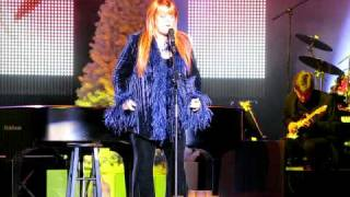 "Wynonna 12-20-08 Live in Chicago Christmas Show ""Only Love"""