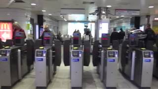 preview picture of video 'Holborn Tube Station Ticket Machines and Gates'