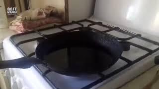 Что будет если в кипящее масло, добавить воды