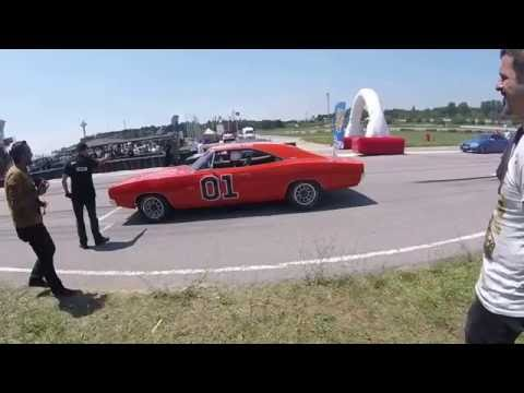 2016 – Drag – 1969 Dodge Charger vs Oldsmobile 442