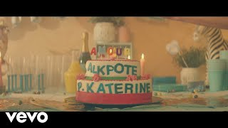 Alkpote   Amour (Clip Officiel) Ft. Philippe Katerine