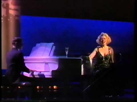 Elaine Paige: I Get A Kick Out Of You (1989 Olivier Awards)