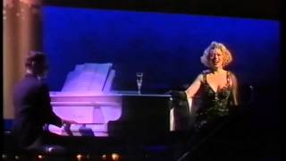 Elaine Paige: I Get A Kick Out Of You (1989 Olivier Awards)